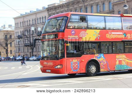 St. Petersburg, Russia - May 19, 2018: Tourist Sightseeing Bus On City Street. Hop On Hop Off Tour S