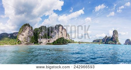 Popular Travel Tropical Karst Rocks Perfect For Climbing Railay And Tonsai Beach, Krabi Province, Th