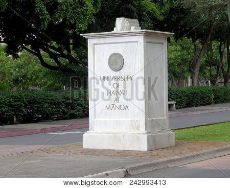 Honolulu - November 12, 2015: University Of Hawaii Manoa Stone Sign At Entrance.  The University Of
