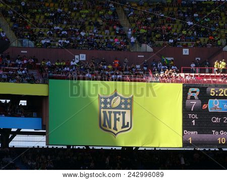 Honolulu - January 31, 2016: Nfl Logo On Billboard At Probowl Game With Crowd In The Stands Taken At