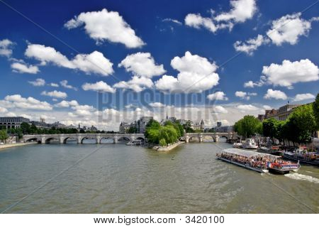 Pount Neuf And Cite Island In Paris