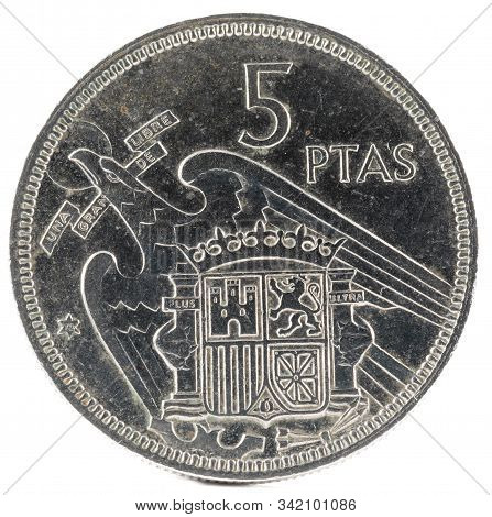 Old Spanish Coin Of 5 Pesetas, Francisco Franco. Year 1957, 72 In The Star. Reverse.