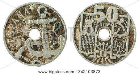 Old Spanish Coin Of 50 Centimos. Nickel. Francisco Franco. Year 1949, 19 51 In The Stars.