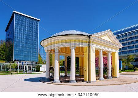 Tempel Pavilion In Old City At Medical Center Rogaska Slatina