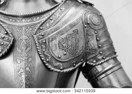 Armour Of Prince. 16th Century Armour. Armor Decorated.