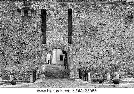 Entry Into The Old City Walls In Ciudad Rodrigo. Spain.