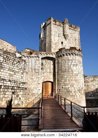 Coria castle
