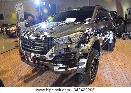Pasay, Ph - Nov. 16: Hyundai Santa Fe Suv At Manila Auto Salon On November 16, 2019 In Smx Conventio