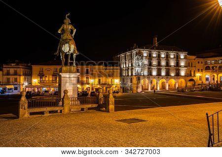 Trujillo, Spain - November 12, 2019: Equestrian Statue Of The Conquistador Francisco Pizarro At Nigh