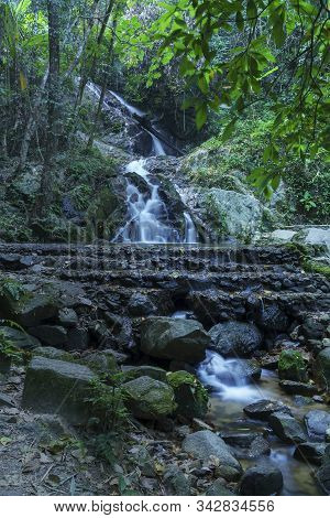 Mae Kam Pong Waterfall Has 7 Levels With Nature Trails , Surrounded By Mountains In Mae Kampong Vill