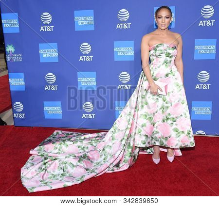 LOS ANGELES - JAN 02:  Jennifer Lopez arrives for the PSIFF Awards Gala 2020 on January 02, 2020 in Palm Sprimgs, CA