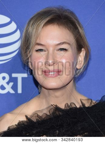 LOS ANGELES - JAN 02:  Renee Zellweger arrives for the PSIFF Awards Gala 2020 on January 02, 2020 in Palm Sprimgs, CA