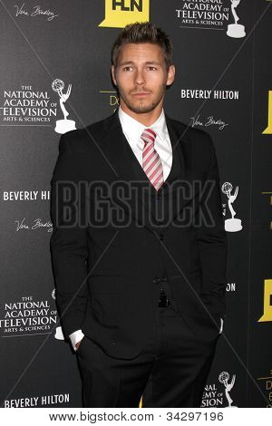 LOS ANGELES - JUN 23:  Scott Clifton arrives at the 2012 Daytime Emmy Awards at Beverly Hilton Hotel on June 23, 2012 in Beverly Hills, CA
