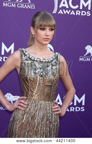LAS VEGAS - MAR 7:  Taylor Swift arrives at the 2013 Academy of Country Music Awards at the MGM Grand Garden Arena on March 7, 2013 in Las Vegas, NV
