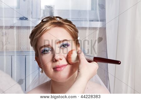 Makeup Artist Inflicts Powder