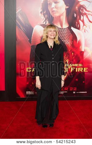 LOS ANGELES, CA - NOVEMBER 18: Actress Amanda Plummer arrives at the premiere of The Hunger Games: Catching Fire at the Nokia Theater in Los Angeles, CA on November 18, 2013