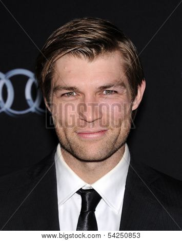 LOS ANGELES - OCT 28:  Liam McIntyre arrives to