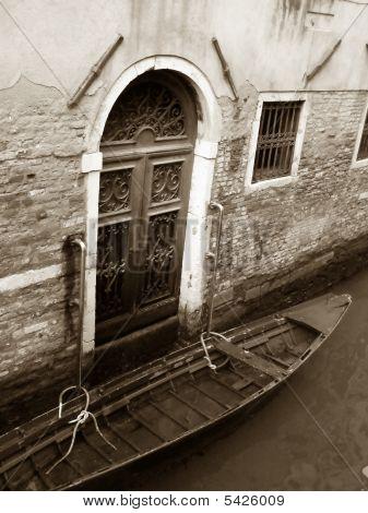 Venice: Old Palace And Gondola, Sepia