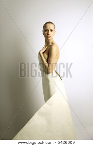Elegante Girl With Sheet Of Paper