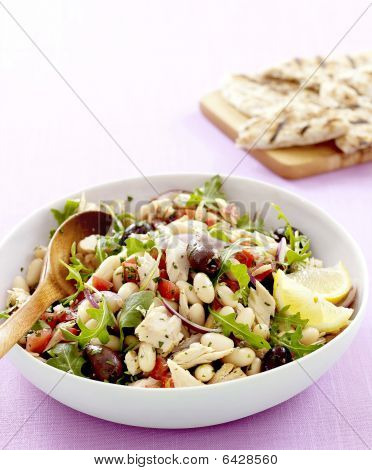 Tuscan Tuna And White Bean Salad