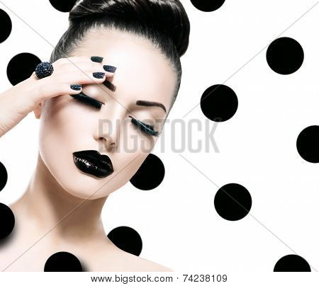 Beauty Vogue Style Fashion Model Woman with Long Lushes, Black Manicure and Lipstick. Fashion Trendy Caviar Black Manicure. Nail Art. Passion