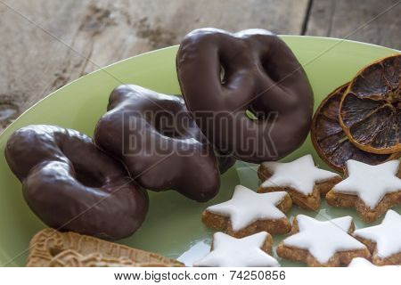 Lebkuchen, Cinnamon Stars And Almond Biscuit