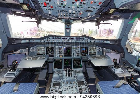 Airbus A380 Cockpit