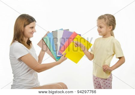 Mom And Daughter Teach Color