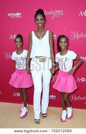 LOS ANGELES - OCT 10:  Jessie Combs, Kim Porter and D'Lila Combs at the