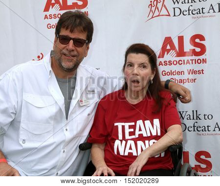 LOS ANGELES - OCT 16:  Fred Fisher, Nanci Ryder at the ALS Association Golden West Chapter Los Angeles County Walk To Defeat ALS at the Exposition Park on October 16, 2016 in Los Angeles, CA