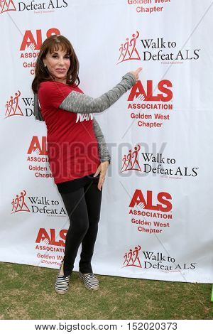 LOS ANGELES - OCT 16:  Kate Linder at the ALS Association Golden West Chapter Los Angeles County Walk To Defeat ALS at the Exposition Park on October 16, 2016 in Los Angeles, CA