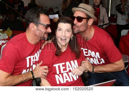 LOS ANGELES - OCT 16:  Lawrence Zarian, Nanci Ryder, Gregory Zarian at the Los Angeles Walk To Defeat ALS at the Exposition Park on October 16, 2016 in Los Angeles, CA