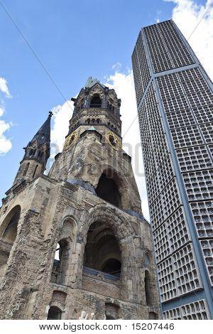 An image of the Kaiser Wilhelm Gedächniskirche