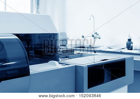 Automated biochemical analyzer for medical equipment in hospital laboratories.
