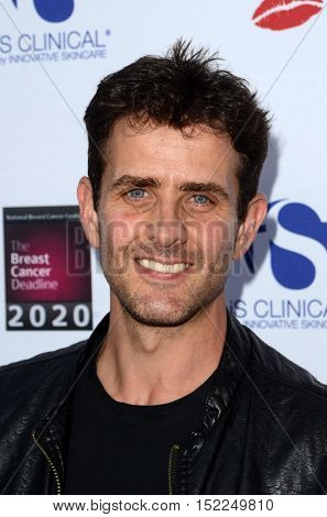 LOS ANGELES - OCT 16:  Joey McIntyre at the 16th Annual Les Girls Cabaret at the Avalon Hollywood on October 16, 2016 in Los Angeles, CA