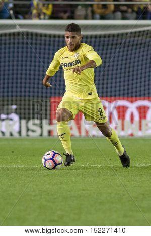 VILLARREAL, SPAIN - OCTOBER 16th: Dos Santos with ball during La Liga soccer match between Villarreal CF and R.C. Celta de Vigo at El Madrigal Stadium on October 16, 2016 in Villarreal, Spain