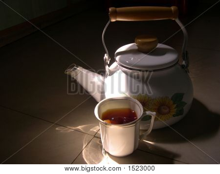 Tea Cup With Kettle 5