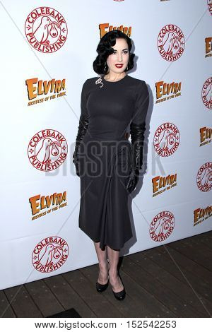 LOS ANGELES - OCT 17:  Dita Von Teese at the