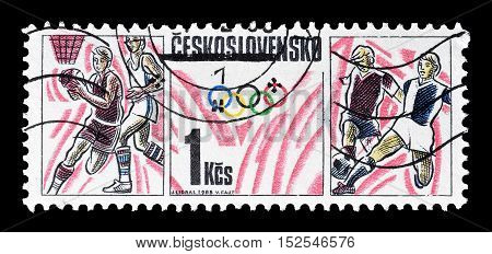 CZECHOSLOVAKIA - CIRCA 1988 : Cancelled postage stamp printed by Czechoslovakia, that shows Olympic sports.