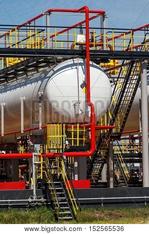 Fuel tank and pipelines on oil refinery plant
