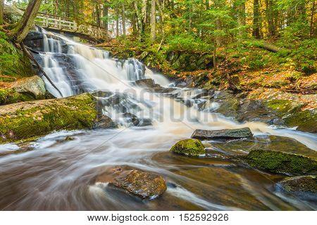 Potts Falls are located near Bracebridge Ontaio in the District of Muskoka.