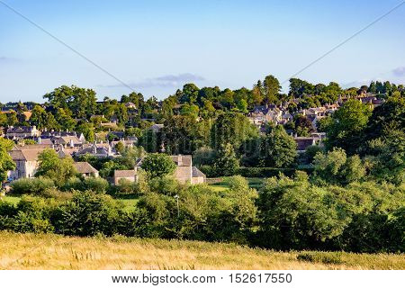 scenic view of the old town of Burford in Cotswolds