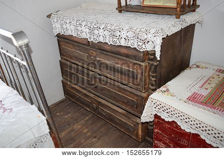 Antique Dresser With Drawers