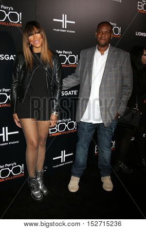 LOS ANGELES - OCT 17:  Tamar Braxton, guest at the