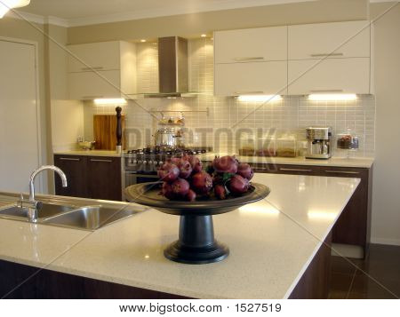 Kitchen With Pomegranites 2