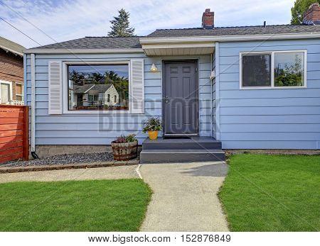 American Blue Rambler Exterior