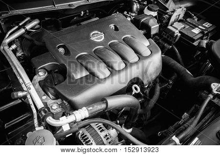 Nissan X-trail Suv Car Engine Under Oped Hood