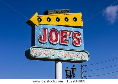 Indianapolis, IN - Circa October 2016: Joe's Crab Shack Local Signage. Joe's Crab Shack is a chain of beach-themed seafood casual dining restaurants owned by Ignite Restaurant Group