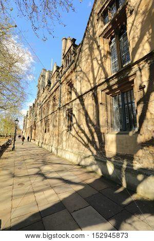 Sidewalk in Oxford United kingdom, vanishing point