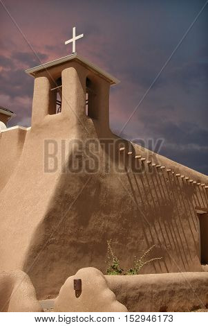 San Francisco de Asis, adobe church in Taos, New Mexico